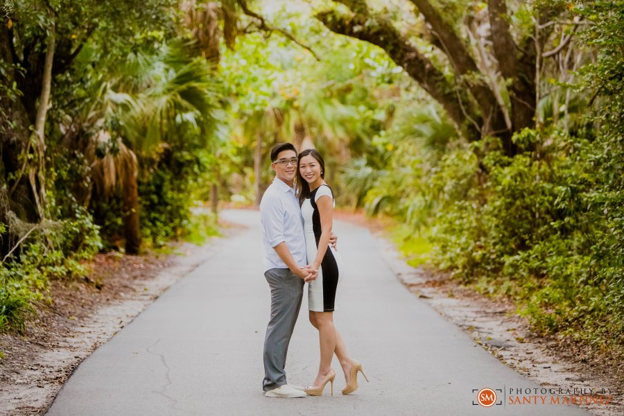 Engagement Session Hugh Taylor Birch State Park - Photography by Santy Martinez-14