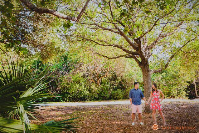 Engagement Session Hugh Taylor Birch State Park - Photography by Santy Martinez-2