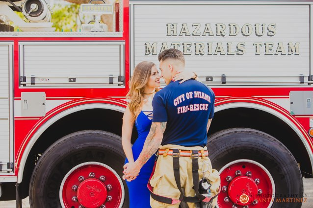 Miami Firefighter Engagement Session - Photography by Santy Martinez-10