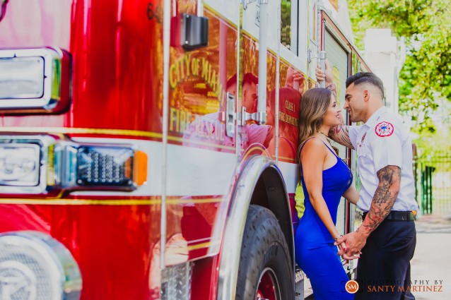 Miami Firefighter Engagement Session - Photography by Santy Martinez-7