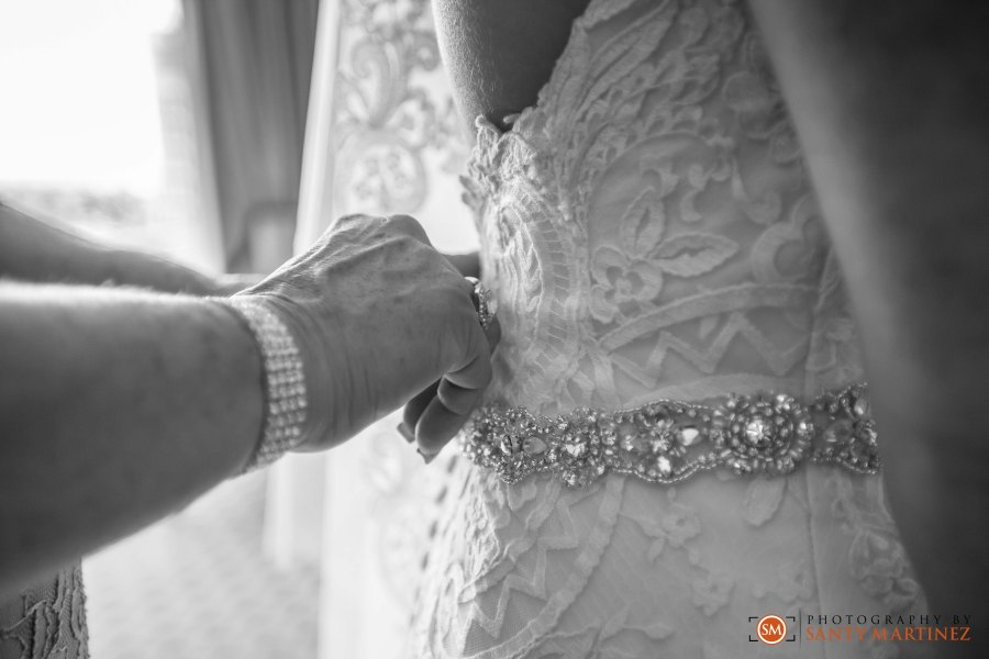 Wedding - St Hugh Catholic Church - Rusty Pelican - Key Biscayne - Photography by Santy Martinez-16
