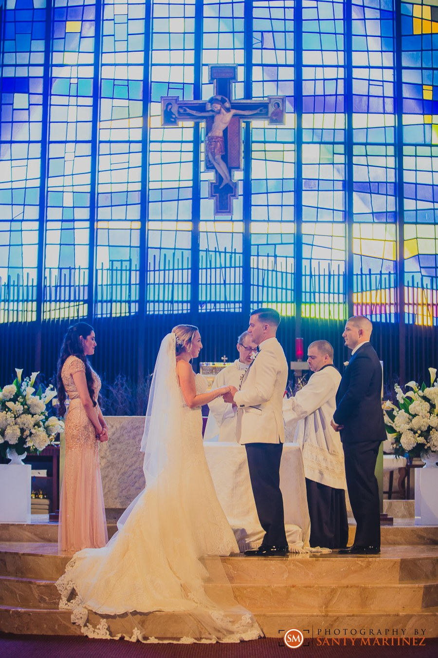 Wedding - St Hugh Catholic Church - Rusty Pelican - Key Biscayne - Photography by Santy Martinez-22