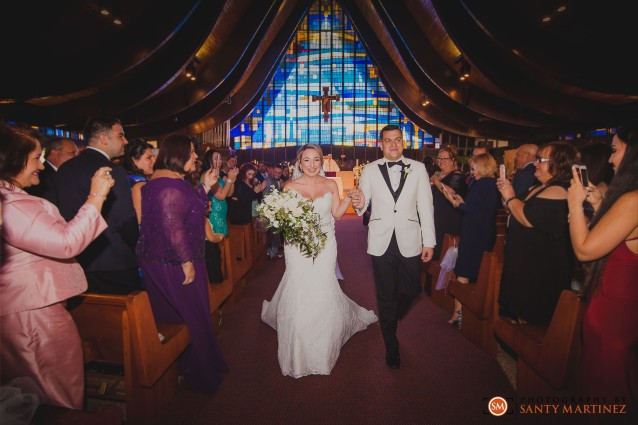 Wedding - St Hugh Catholic Church - Rusty Pelican - Key Biscayne - Photography by Santy Martinez-25