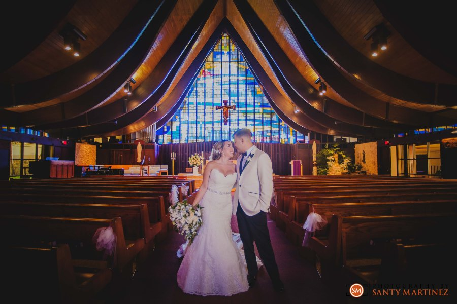 Wedding - St Hugh Catholic Church - Rusty Pelican - Key Biscayne - Photography by Santy Martinez-27